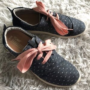 TOMS Del Ray Chambray Polka Dot Lace Up Sneakers